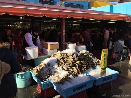 Oyster market guy.jpg